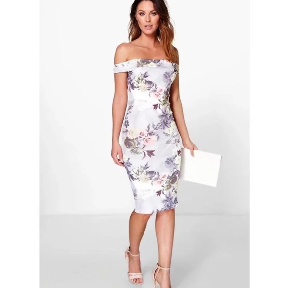 Boohoo Dresses & Skirts - Bodycon midi dress